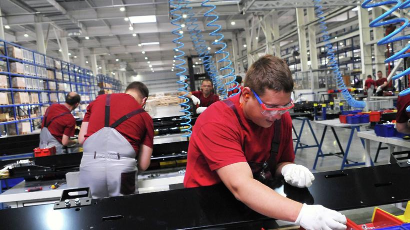 Зампред Буцаев: Сто крупных промышленных предприятий появится в Подмосковье по итогам года