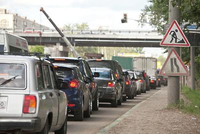 В центре Подольска образовалась почти двухкилометровая пробка в воскресенье днем