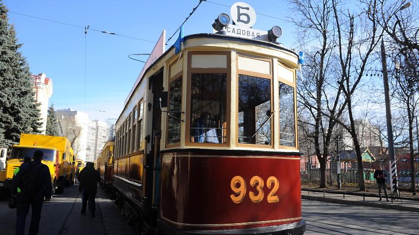В столице перекроют движение из-за Пасхи иПарада трамваев