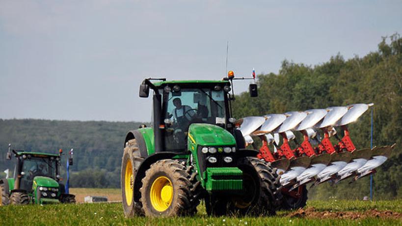 Осмотр сельхозтехники перед посевной пройдет в Климовске на областном совещании 31 марта