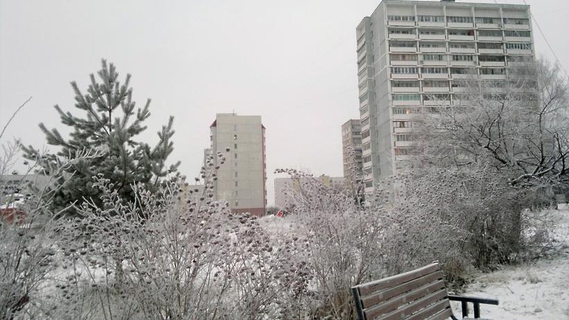 Облачная погода инебольшой снег ожидаются в столицеРФ вовторник