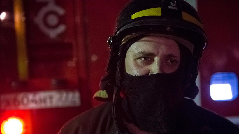 Дом и два гаража загорелись в Домодедове