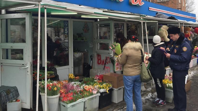 Свыше 300 млн рублей потратили жители региона на цветы к 8 Марта – Минпотребрынка