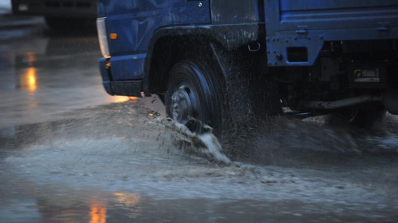 Дождь игололедица вчас пик в столице парализовали движение