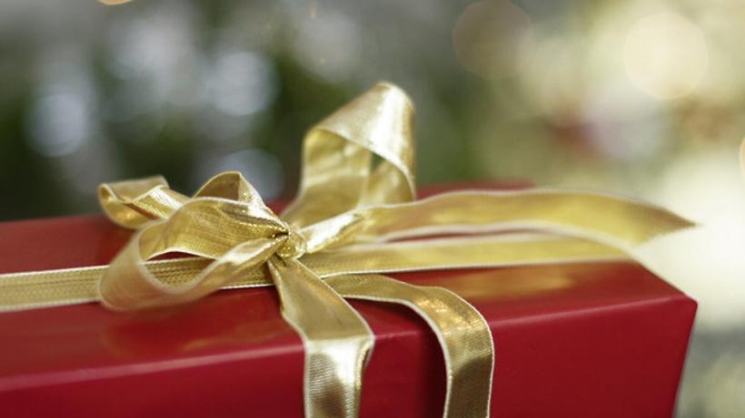 Подарочные новогодние наборы в магазинах Подмосковья можно приобрести по цене от 100 рублей – Минпотребрынка
