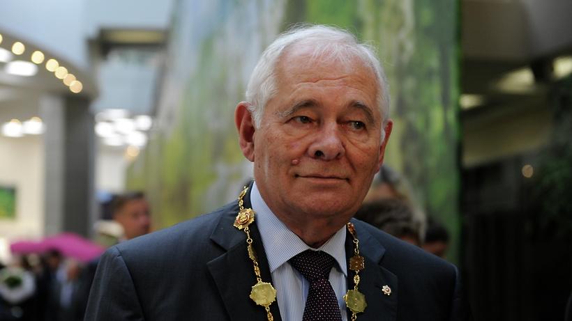 Леонид Рошаль стал обладателем премии «Легенда века» за многолетнюю помощь детям