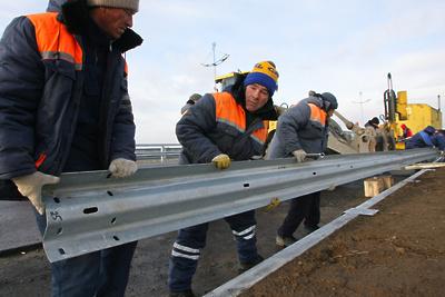 Мост соединили через канал имени Москвы на ЦКАД в Подмосковье