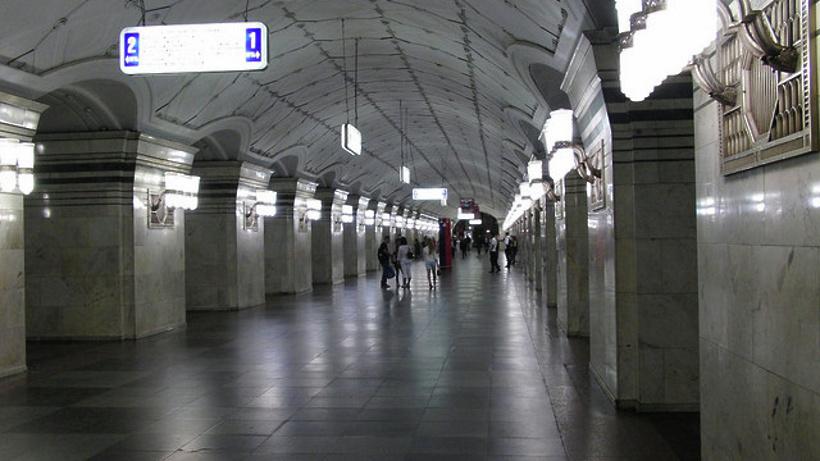 Предпосылкой закрытия станции метро «Спортивная» стало обнаружение всеверном вестибюле бесхозного предмета
