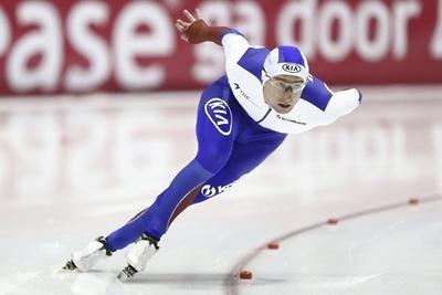 Конькобежец Кулижников стал первым на дистанции в 500 м на соревнованиях в Коломне