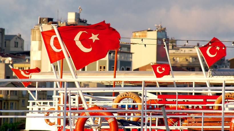 Практически 3,3 млн русских туристов посетили Турцию всамом начале года