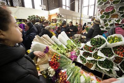 Заказать цветы c доставкой в интернетмагазине Купить