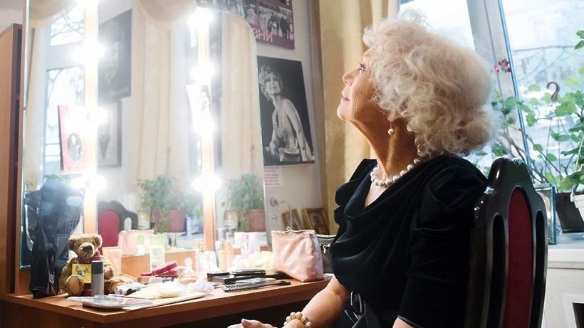 Актрису Светлану Немоляеву наградят почетной президентской грамотой