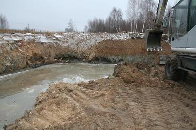 В Подольске во время строительства рынка не огородили место работ