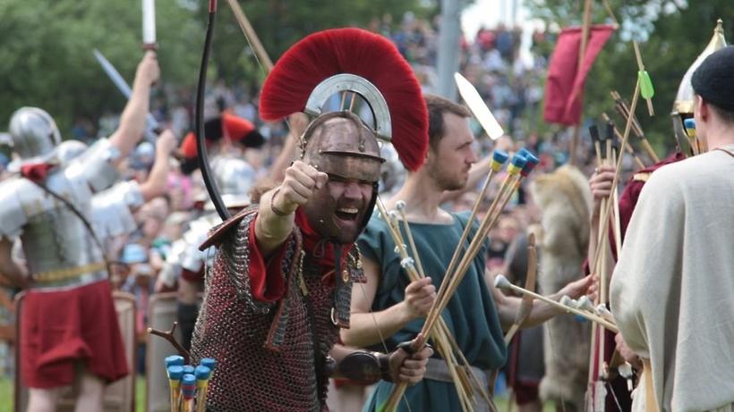 Организаторы фестиваля «Времена иэпохи» попросили непревращать его вполитический митинг