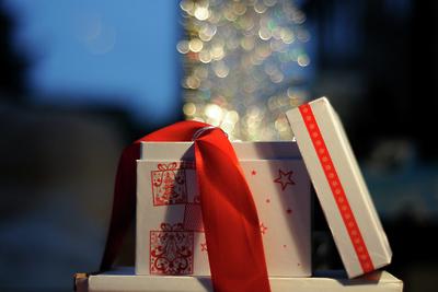 Волонтеры подарят жителям села Зарайского района новогодние сувениры ручной работы