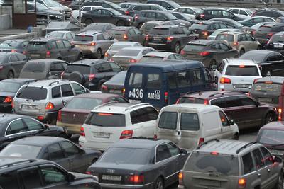 Пробка длиной более 2 км образовалась на трассе А‑107 в Подольске в субботу