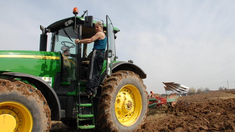 Глава областного Минсельхозпрода призвал аграриев завершить ремонт сельхозтехники к 1 апреля
