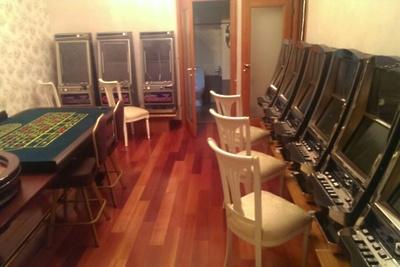 Подпольное казино в москве в августе игровые автоматы хоккей настольный купить