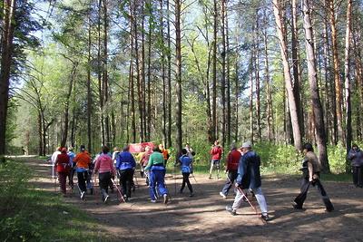 Свыше 2 тыс пенсионеров Подмосковья приняли участие в фестивале по скандинавской ходьбе