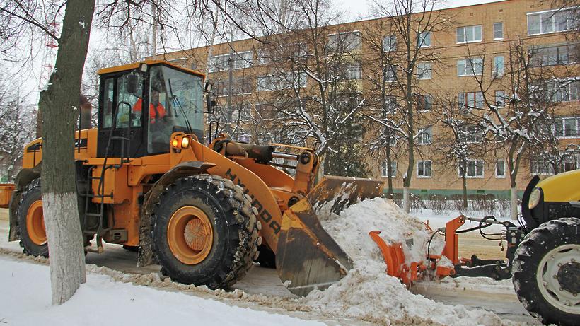 Коммунальные службы Московской области убирают снег в усиленном режиме