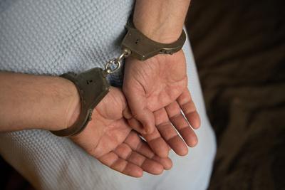В Подольске задержали подозреваемого в краже двух золотых браслетов из ювелирного магазина