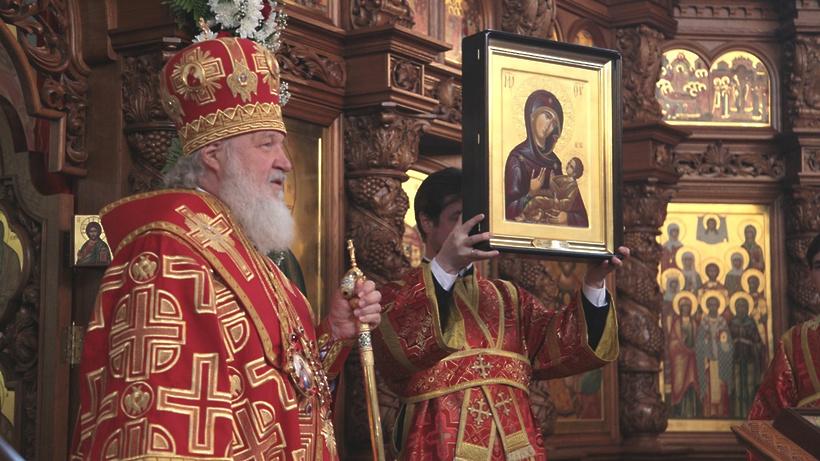 Патриарх признал справедливой критику возведения в столицеРФ однотипных храмов