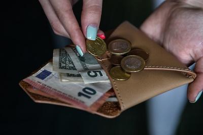 Официальный курс евро вырос на 33 копейки