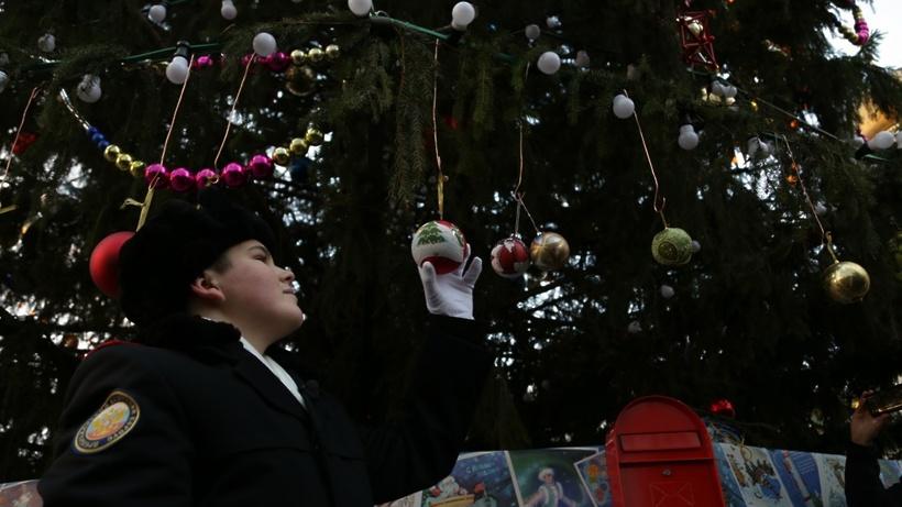 Традиционно школьники Алтайского края примут участие вобщероссийских новогодних мероприятиях