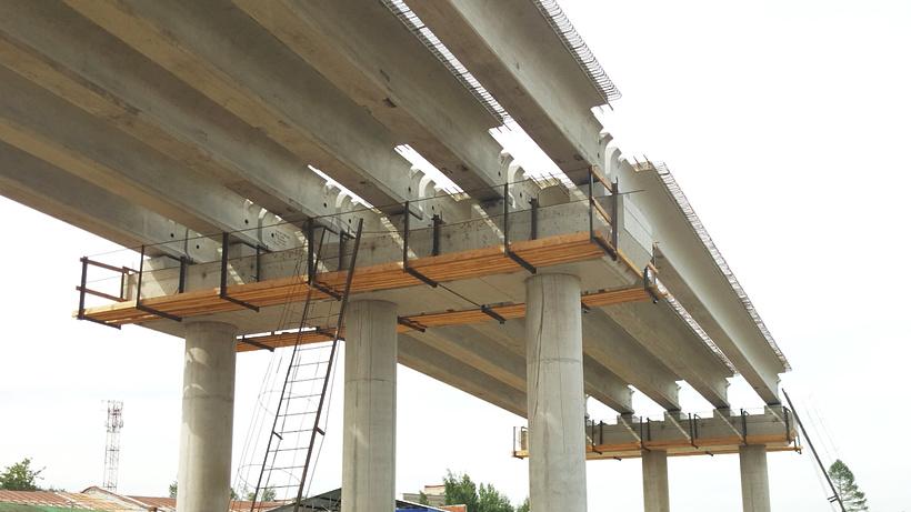 Строительство автодорожного переезда закончат в будущем году