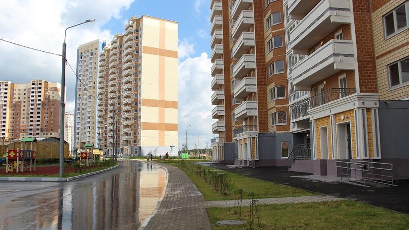 Неменее 500 обманутых дольщиков получили квартиры вЮжном Домодедове
