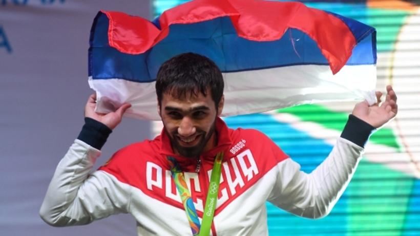 Юнус-Бек Евкуров поздравил чемпиона Олимпиады Хасана Халмурзиева с«потрясающей победой»