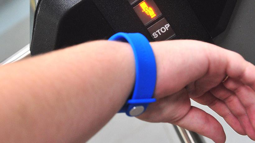 В20 столичных школах воспитанники надели электронные браслеты