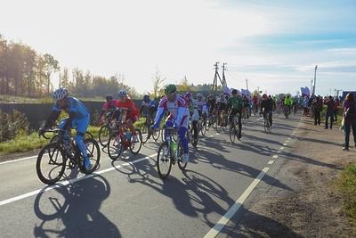Более 800 человек приняли участие в велозаезде Gran Fondo Russia в Рузе