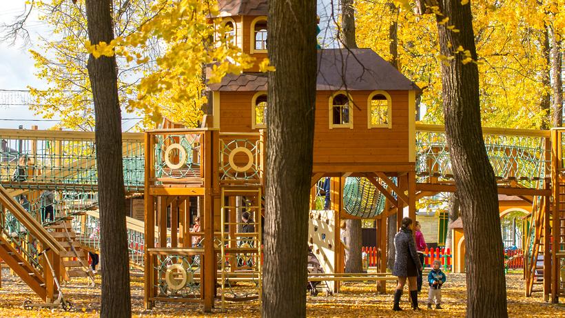 ВПодмосковье попрограмме губернатора установили 99 детских площадок