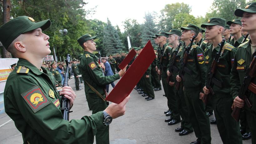 Уклонистов отвоинской службы в столице России стало практически вдвое менее