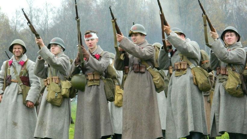 Реконструкцию битвы наБородинском поле показали вПодмосковье