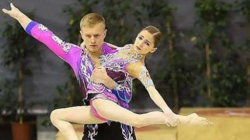 Красноярская пара спортивных акробатов стала победительницей заключительного этапа Кубка мира