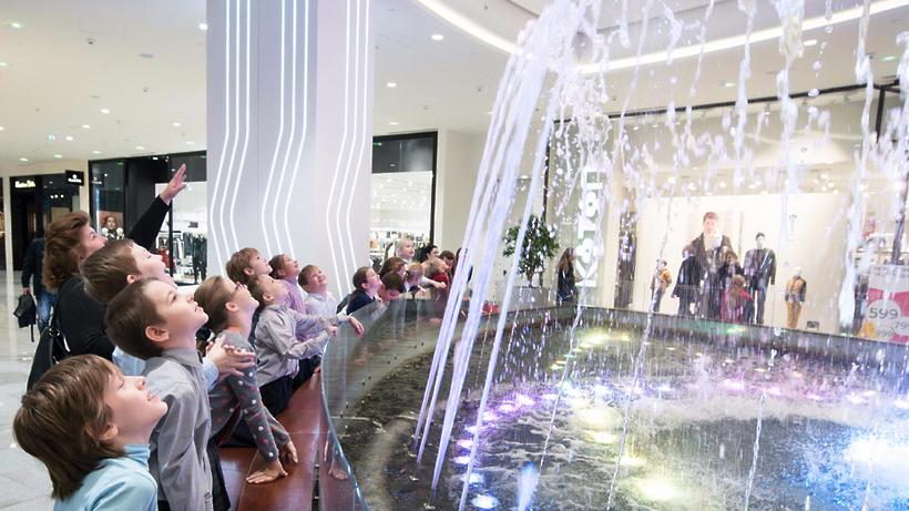 Сергей Собянин открыл назападе столицы новый торговый центр «Океания»