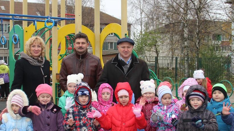 Всамом начале года вПодмосковье установлено 99 детских площадок