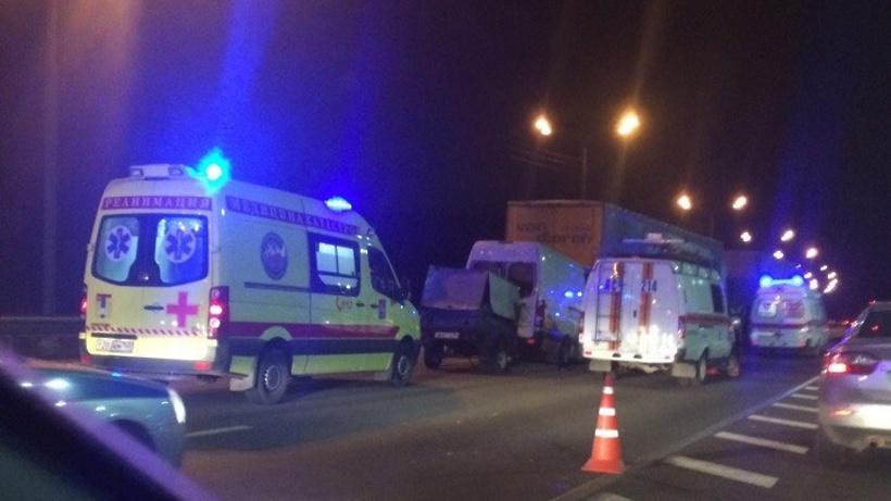 При столкновении автобуса имаршрутки вПодмосковье пострадали два человека