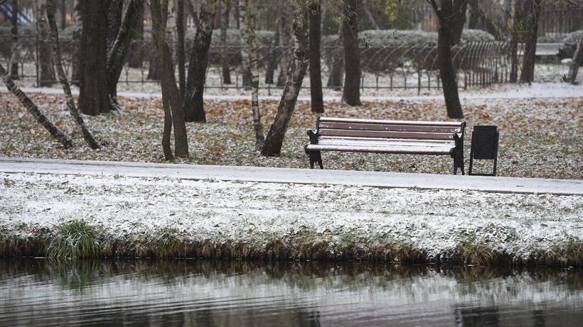 Толщина снежного покрова в столицеРФ достигла 5 сантиметров