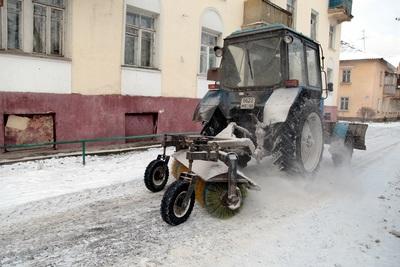 Более 1 тыс единиц спецтехники за сутки вывели на дороги Подмосковья для уборки