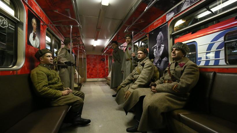 Вметро столицы запустили тематический поезд «Великие полководцы»