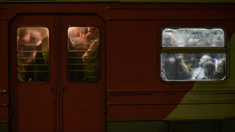 Обледенение контактной сети нарушило движение поездов наКиевском иБелорусском направлениях