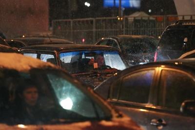 Москва встала в 8‑балльных пробках в пятницу вечером
