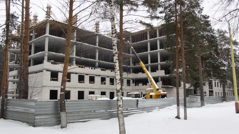 Строительство лечебного корпуса городской больницы Дубны возобновится в 2017 году