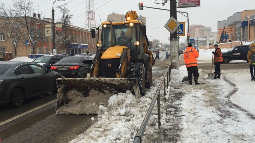 Свыше 1,7 тыс. единиц спецтехники задействовали в уборке снега в регионе – МинЖКХ
