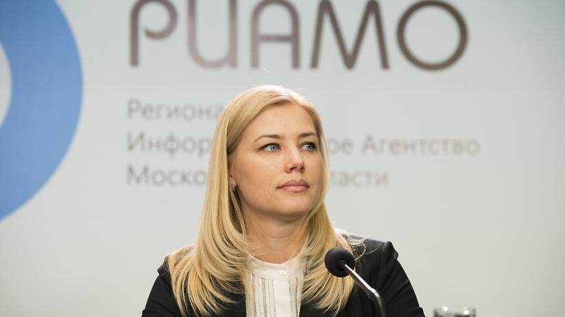 Руководитель ЗАГСа Подмосковья пояснила, почему нужно жениться вновогоднюю ночь