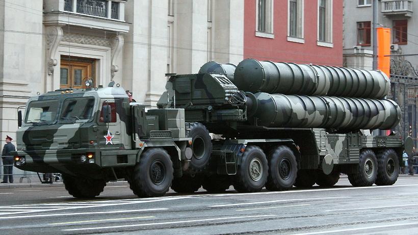 Полковой комплект ЗРС С-400 «Триумф» поступит вПодмосковье