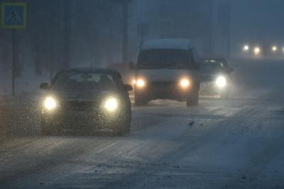 Автомобилистов Подмосковья предупредили о гололедице на дорогах в ночное время